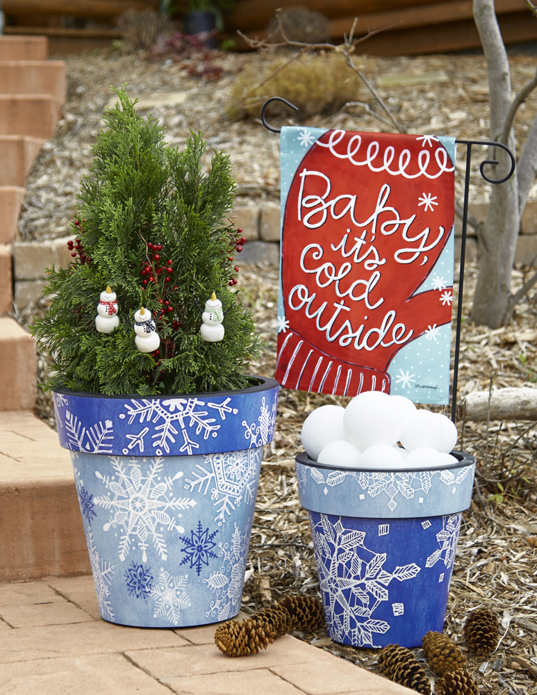 Studio M_Art Planters and Snowman plant pokes and BreezeArt garden flag_Winter Theme_RGB